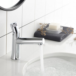 Bathroom Sink Faucet - Chrome Electroplated Centerset Single Handle One HoleBath Faucet